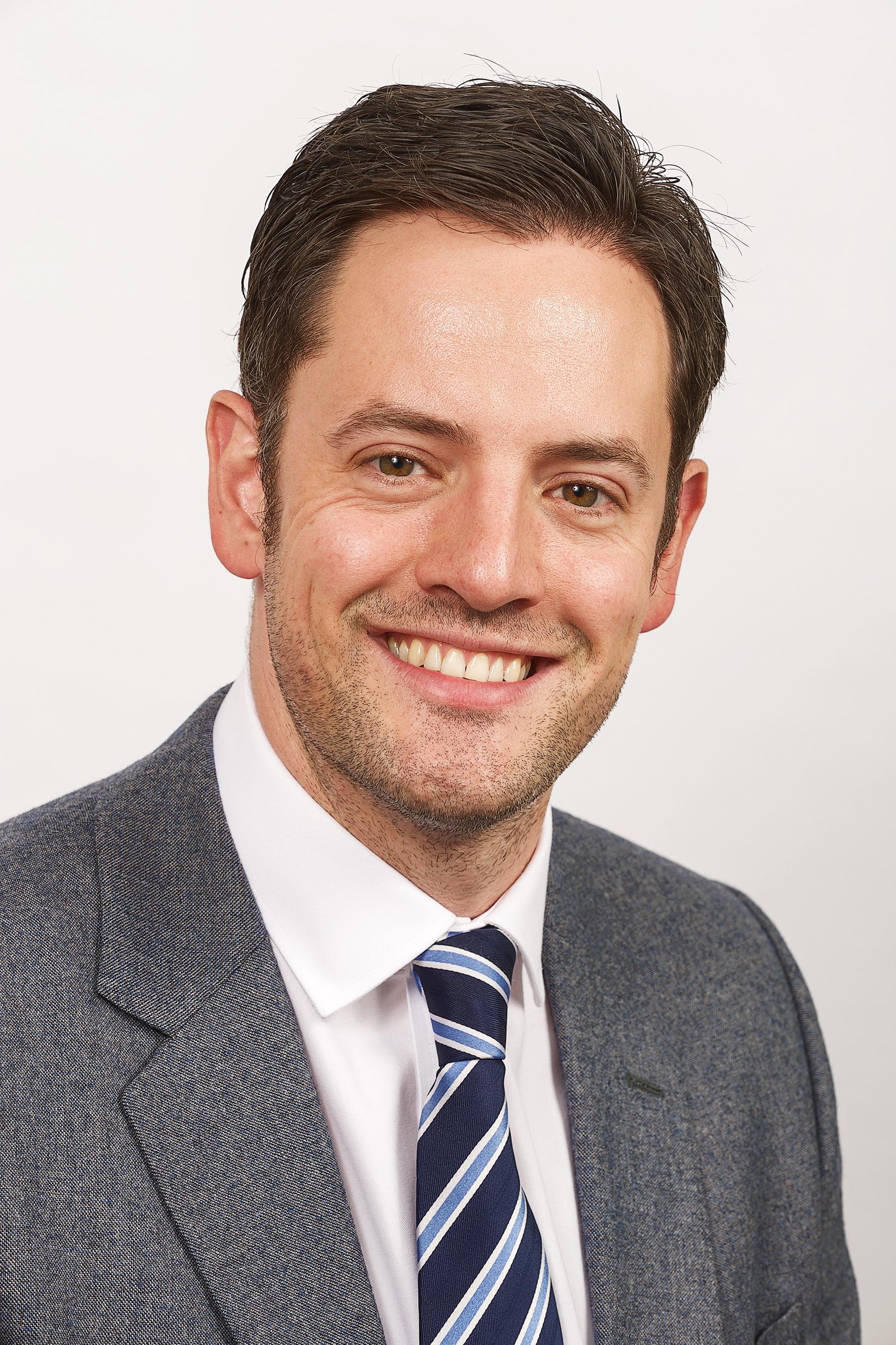 Dr Dan Bunstone
